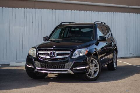 2015 Mercedes-Benz GLK for sale at Private Club Motors in Houston TX