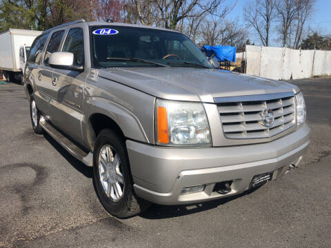 2004 Cadillac Escalade ESV for sale at PARK AVENUE AUTOS in Collingswood NJ
