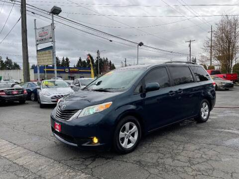 2011 Toyota Sienna for sale at Real Deal Cars in Everett WA