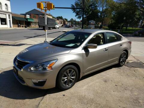 2015 Nissan Altima for sale at ROBINSON AUTO BROKERS in Dallas NC
