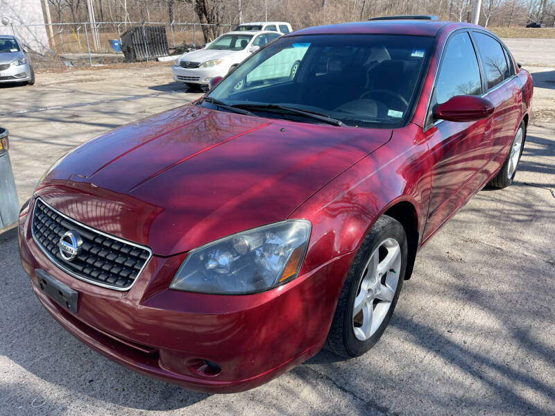 2005 Nissan Altima for sale at Best Deal Motors in Saint Charles MO