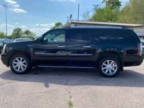 2007 GMC Yukon XL for sale at RIVERSIDE AUTO SALES in Sioux City IA