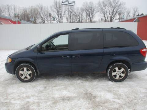 2006 Dodge Grand Caravan for sale at Chaddock Auto Sales in Rochester MN