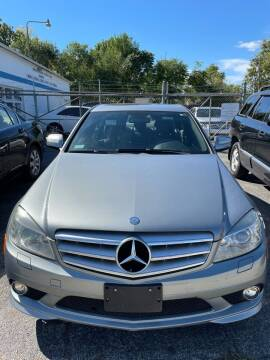 2009 Mercedes-Benz C-Class for sale at Crown Motors in Hamilton OH
