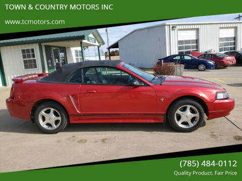 2001 Ford Mustang for sale at TOWN & COUNTRY MOTORS INC in Meriden KS