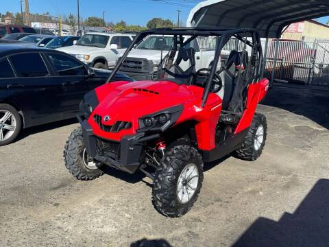 2016 Can-Am COMMANDER STD/DPS