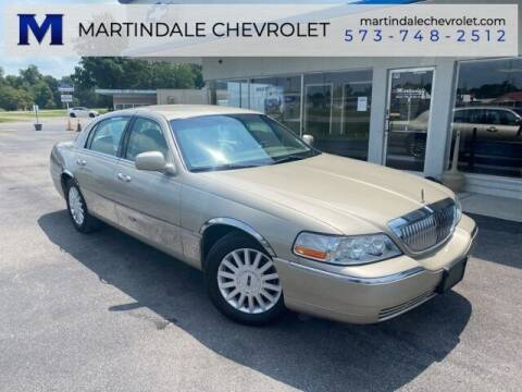 2005 Lincoln Town Car for sale at MARTINDALE CHEVROLET in New Madrid MO