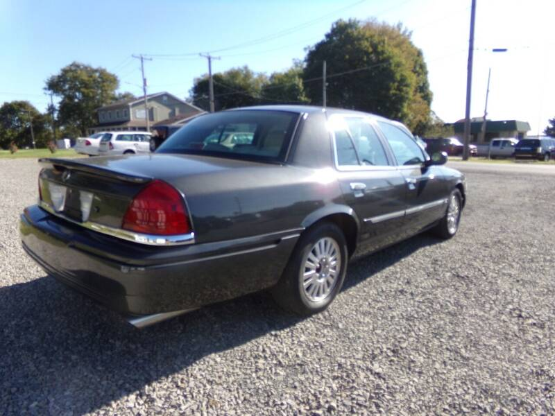 2006 Mercury Grand Marquis for sale at English Autos in Grove City PA