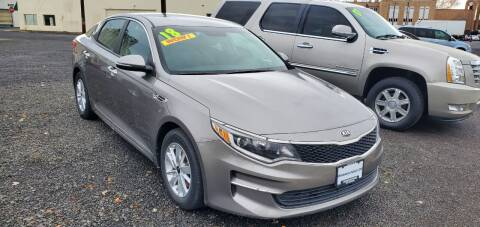 2018 Kia Optima for sale at Deanas Auto Biz in Pendleton OR