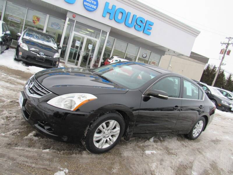 2011 Nissan Altima for sale at Auto House Motors in Downers Grove IL