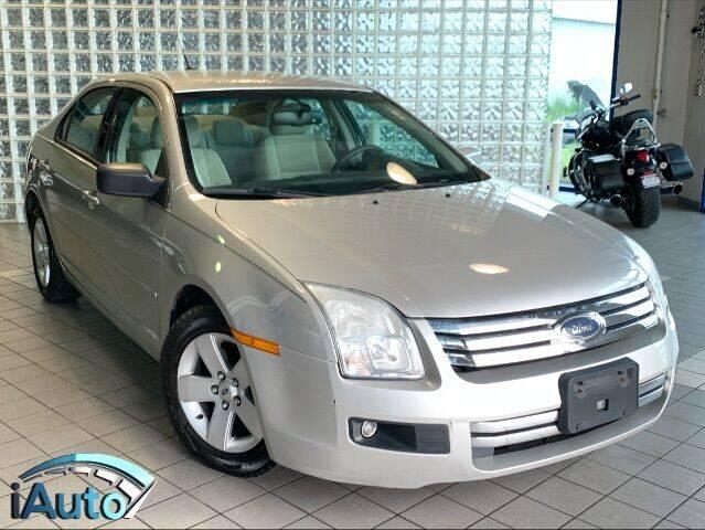 2007 Ford Fusion for sale at iAuto in Cincinnati OH