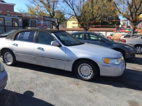 2001 Lincoln Town Car for sale at Chambers Auto Sales LLC in Trenton NJ