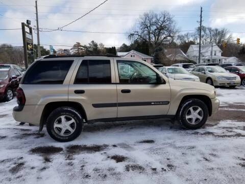 2004 Chevrolet TrailBlazer for sale at RIVERSIDE AUTO SALES in Sioux City IA