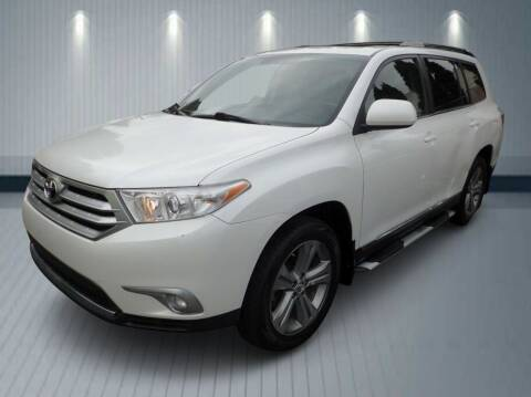 2011 Toyota Highlander for sale at Klean Carz in Seattle WA