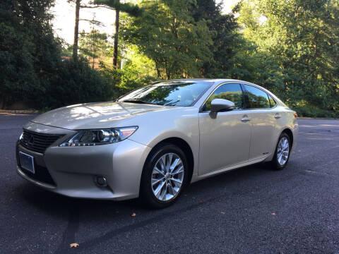 2014 Lexus ES 300h for sale at Car World Inc in Arlington VA