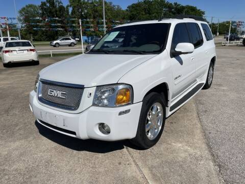 2006 GMC Envoy XL for sale at AMERICAN AUTO COMPANY in Beaumont TX