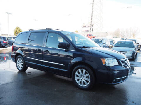 2014 Chrysler Town and Country for sale at SIMOTES MOTORS in Minooka IL