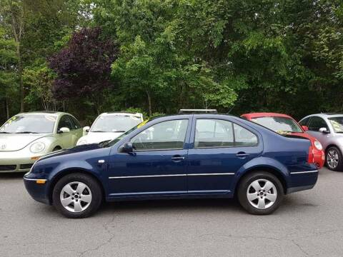 2004 Volkswagen Jetta for sale at M & M Auto Brokers in Chantilly VA