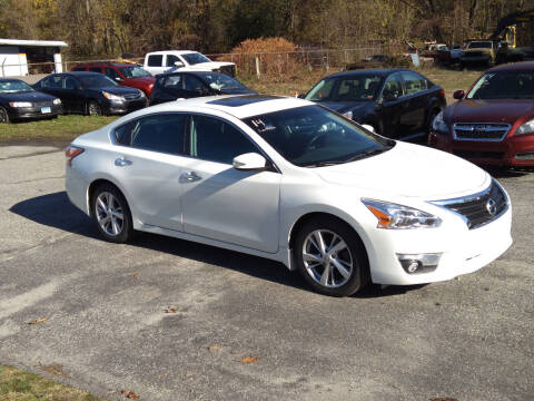2014 Nissan Altima for sale at SOUTH VALLEY AUTO in Torrington CT