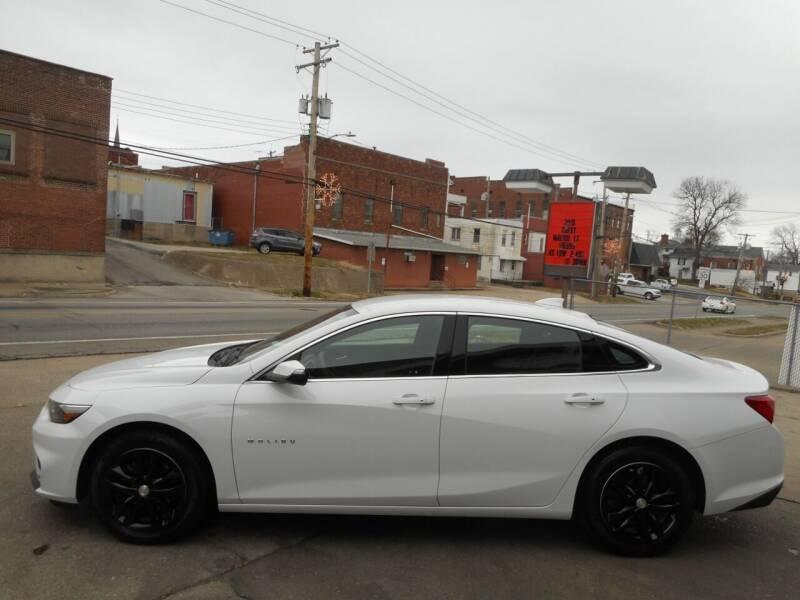 2018 Chevrolet Malibu for sale at River City Auto Center LLC in Chester IL
