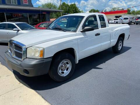 2006 Dodge Dakota for sale at Wise Investments Auto Sales in Sellersburg IN