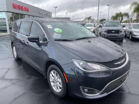 2020 Chrysler Pacifica for sale at Nissan of Bakersfield in Bakersfield CA