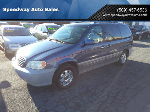 2003 Kia Sedona for sale at Speedway Auto Sales in Yakima WA