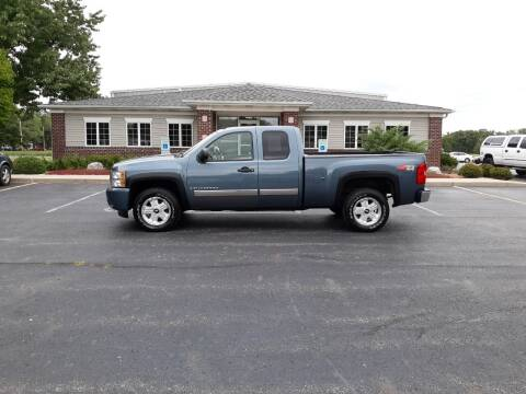 2007 Chevrolet Silverado 1500 for sale at Pierce Automotive, Inc. in Antwerp OH