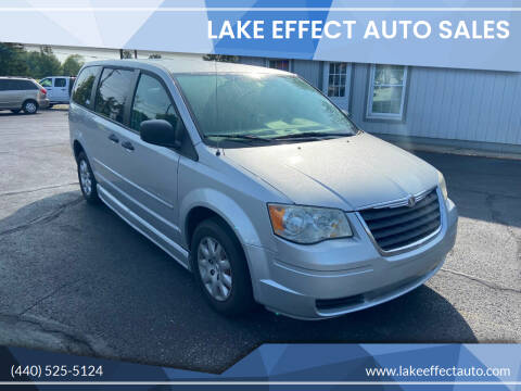 2008 Chrysler Town and Country for sale at Lake Effect Auto Sales in Chardon OH
