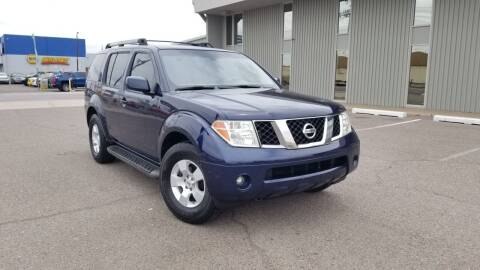 2006 Nissan Pathfinder for sale at EXPRESS AUTO GROUP in Phoenix AZ