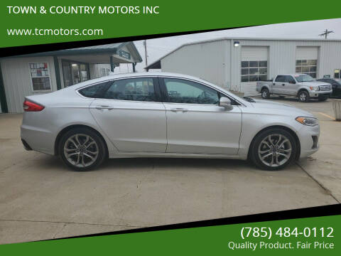 2019 Ford Fusion for sale at TOWN & COUNTRY MOTORS INC in Meriden KS