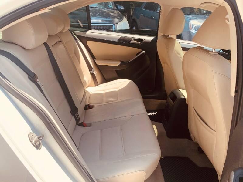 2011 Volkswagen Jetta TDI 4dr Sedan 6M - Dallas TX