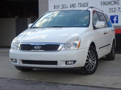 2012 Kia Sedona for sale at Deal Maker of Gainesville in Gainesville FL