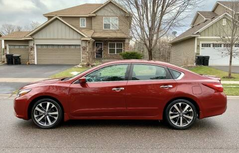 2016 Nissan Altima for sale at You Win Auto in Burnsville MN