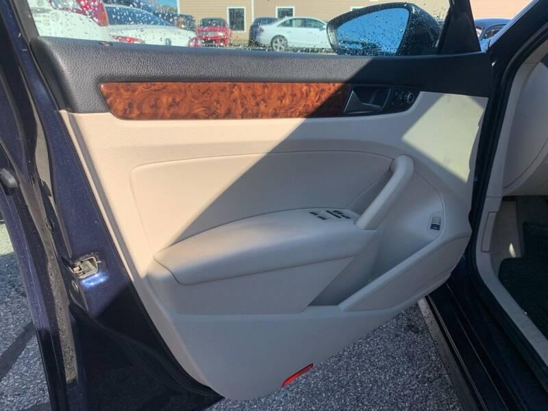 2012 Volkswagen Passat SEL 4dr Sedan 6A w/ Premium Package - Portland ME