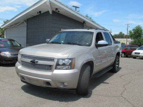 2008 Chevrolet Avalanche for sale at Crown Auto in South Salt Lake UT