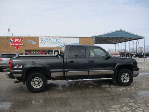 2003 Chevrolet Silverado 2500HD for sale at Rondo Truck & Trailer in Sycamore IL