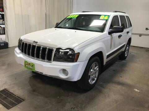 2006 Jeep Grand Cherokee for sale at Frogs Auto Sales in Clinton IA