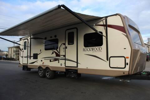2017 Rockwood Ultra Light M-2702SS