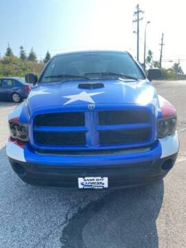 2004 Dodge Ram Pickup 1500 for sale at VENTURE MOTORS in Wickliffe OH