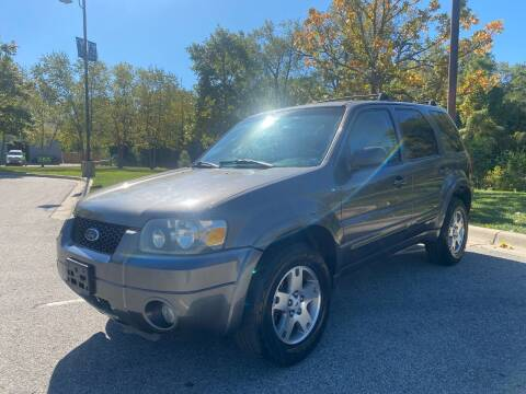 2005 Ford Escape for sale at Nationwide Auto in Merriam KS