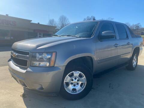2007 Chevrolet Avalanche for sale at Gwinnett Luxury Motors in Buford GA