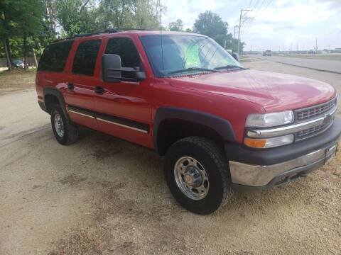 2001 Chevrolet Suburban for sale at Northwoods Auto & Truck Sales in Machesney Park IL