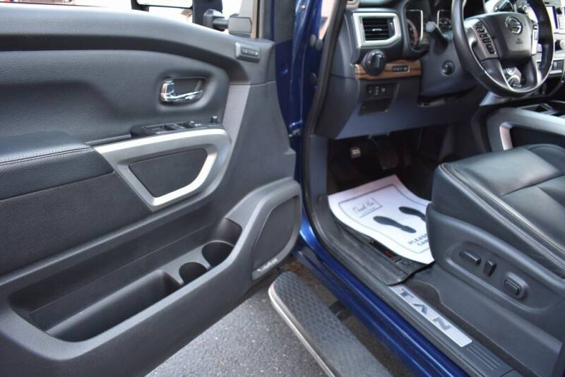 2018 Nissan Titan for sale at Alfa Romeo & Fiat of Strongsville in Strongsville OH