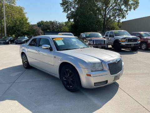 2005 Chrysler 300 for sale at Zacatecas Motors Corp in Des Moines IA