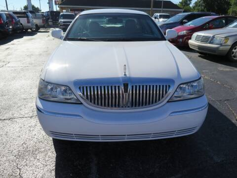 2006 Lincoln Town Car for sale at United Auto Sales in Oklahoma City OK