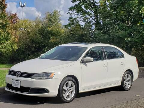 2014 Volkswagen Jetta for sale at CLEAR CHOICE AUTOMOTIVE in Milwaukie OR