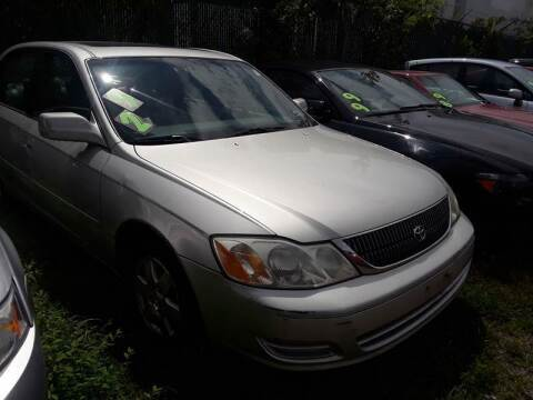 2001 Toyota Avalon for sale at M & M Auto Brokers in Chantilly VA