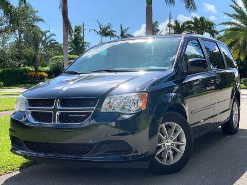 2015 Dodge Grand Caravan for sale at HIGH PERFORMANCE MOTORS in Hollywood FL