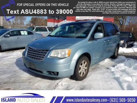 2009 Chrysler Town and Country for sale at Island Auto Sales in E.Patchogue NY